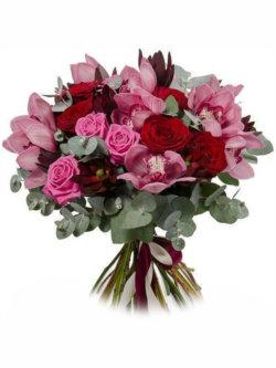 Букеты из орхидеи, роз, леукадендрона и эвкалипта