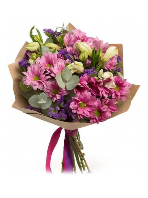 Букет из кустовых хризантем, альстромерий, эвкалипта и декоративной зелени