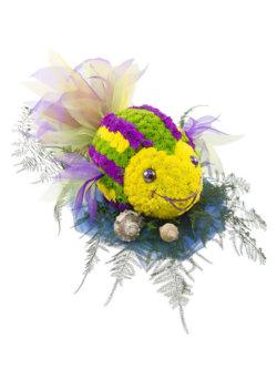 Цветочная композиция в виде игрушки Рыбка