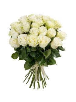 Букет из белых роз в ассортименте
