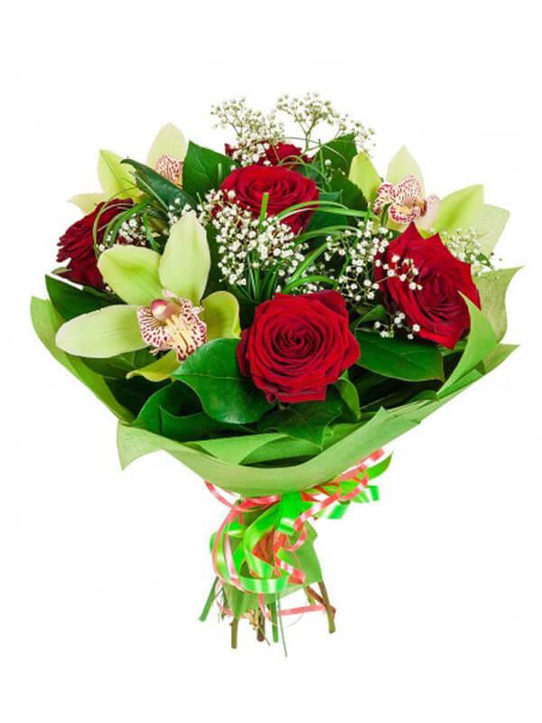 Букет из роз, орхидей и декоративной зелени в упаковке из фетра