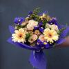 Букет из гербер, кустовых роз, хризантем, ирисов