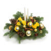 Новогодняя композиция из нобилиса, роз и декоративных элементов