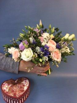 Свадебный букет невесты с синими гиацинтами