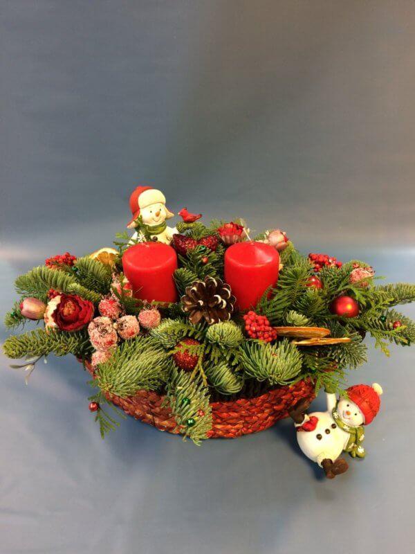 Новогодняя композиция с нобилисом(канадской елью) и свечами
