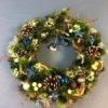 Новогодний (рождественский) венок из природных и искусственных материалов