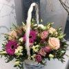 Корзина с розами,герберой,эустомой и декоративной зеленью