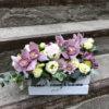 Ящик с орхидеями, розами, эустомами, альстромериями и декоративной зеленью
